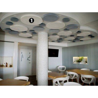Restaurante con circulos acusticos en techo para reducir ruido