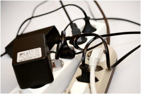 Mala conexión de cables de alimentación