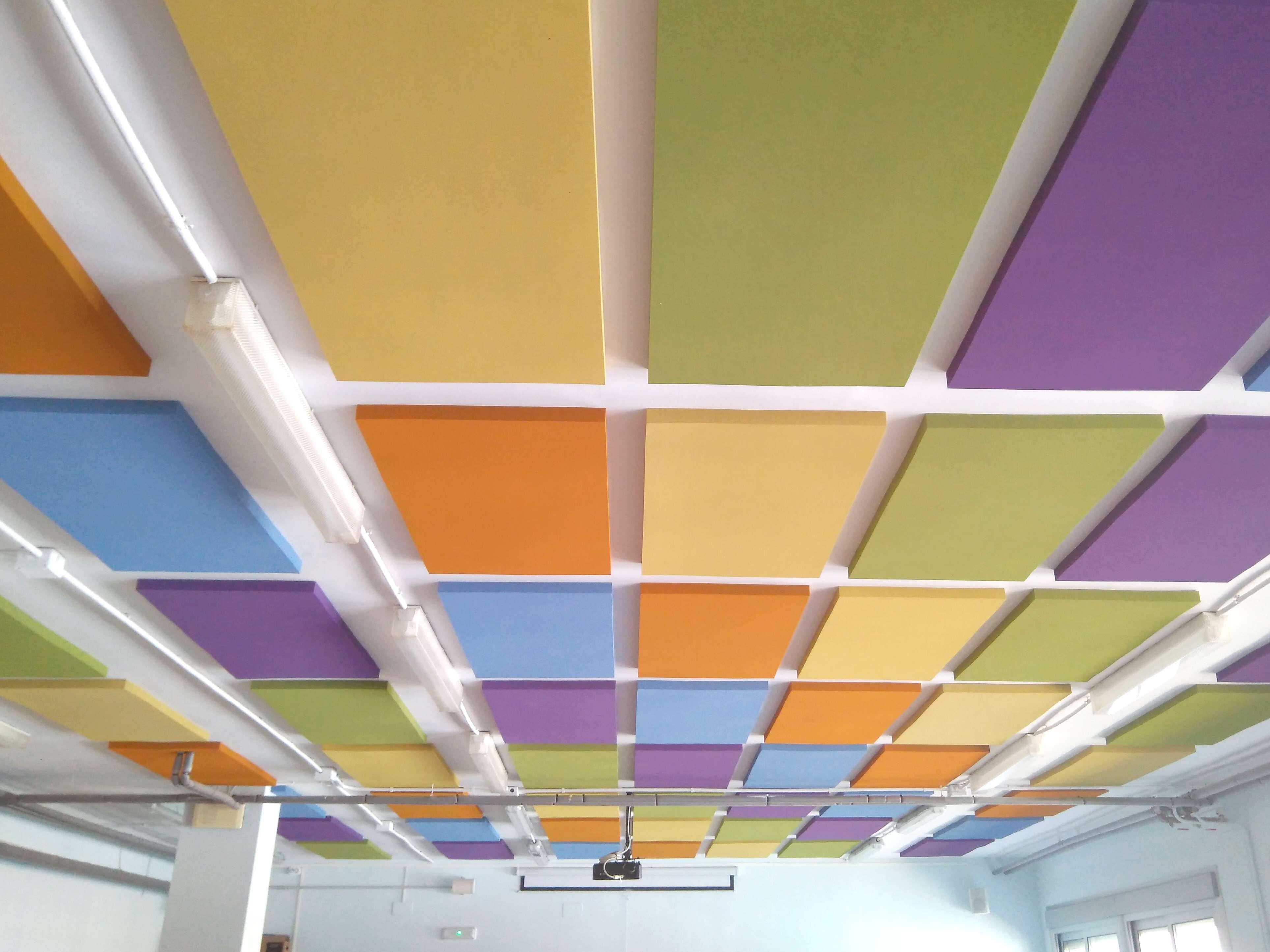 Combinacion de piezas de colores de espuma absorbente